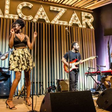 ALCAZAR LIVE BAND GUEST SINGERS RANDY ROBERTS, NIXO, OUMY @ ALCAZAR 23-02-18