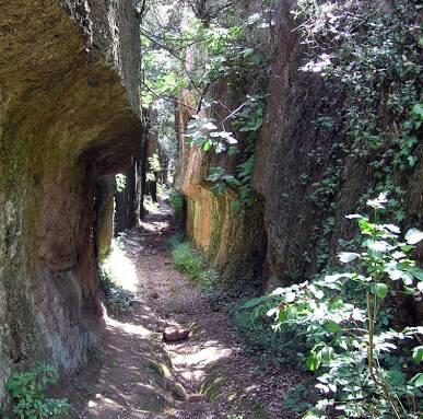 Passeggiata naturalistica e visita alla necropoli rupestre nel Parco Marturanum [GENIUS LOCI]