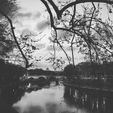 Sognando Brassaï: la Notte, il Mistero e le Atmosfere Oniriche!