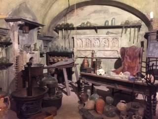 Dall'alchimia alla scienza: un viaggio fotografico esclusivo nella storia della medicina