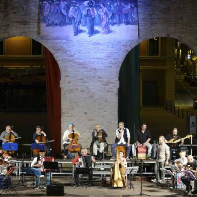 Concerto L'Orchestrona & Friends @ Arena Piazza Fratti il 21 Agosto '21