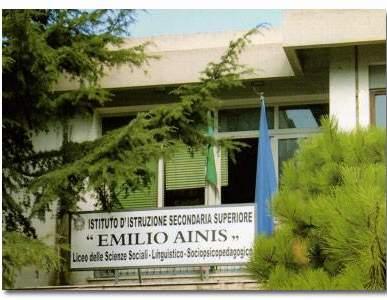 "Biblioteca ""L. Tomeucci"" c/o Liceo ""Emilio Ainis"""